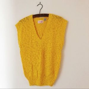 Vintage 80's deep v-neck capped sleeve sweater L
